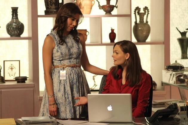 Bones's Michaela Conlin: Angela's [Spoiler] in Booth and Brennan's Wedding — Exclusive