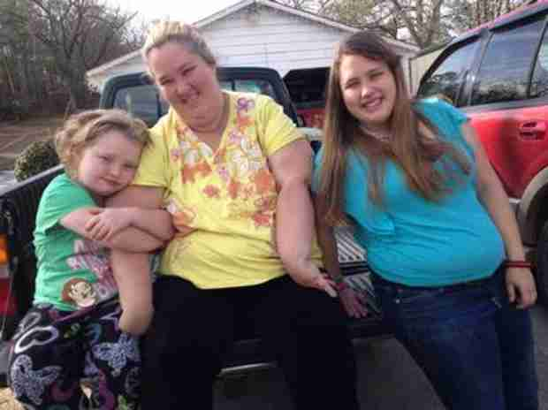 Here Comes Honey Boo Boo Premiere Preview: Mama June Talks the Birds and the Bees (VIDEO)