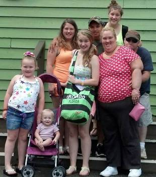Here Comes Honey Boo Boo's Family Vacation Ends With Three Hospitalizations — Yikes!