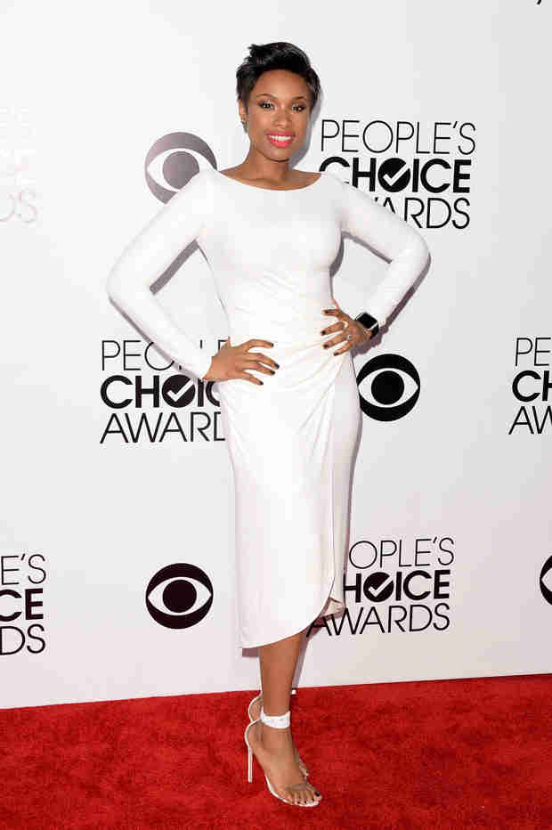 Jennifer Hudson Cries As She Dedicates People's Choice Award to Late Mother, Brother (VIDEO)
