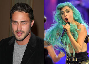 Lady Gaga and Taylor Kinney Make Out at 2014 Golden Globe After Party