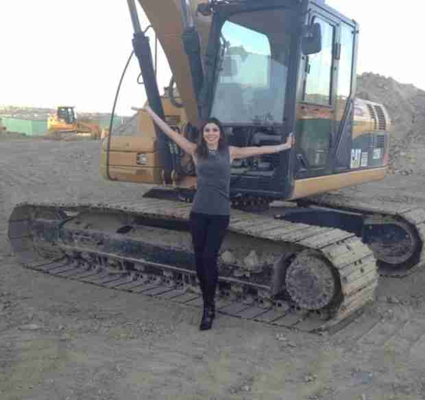 "Heather Dubrow Breaks Ground on New House: ""Let's Get Digging"" (PHOTO)"