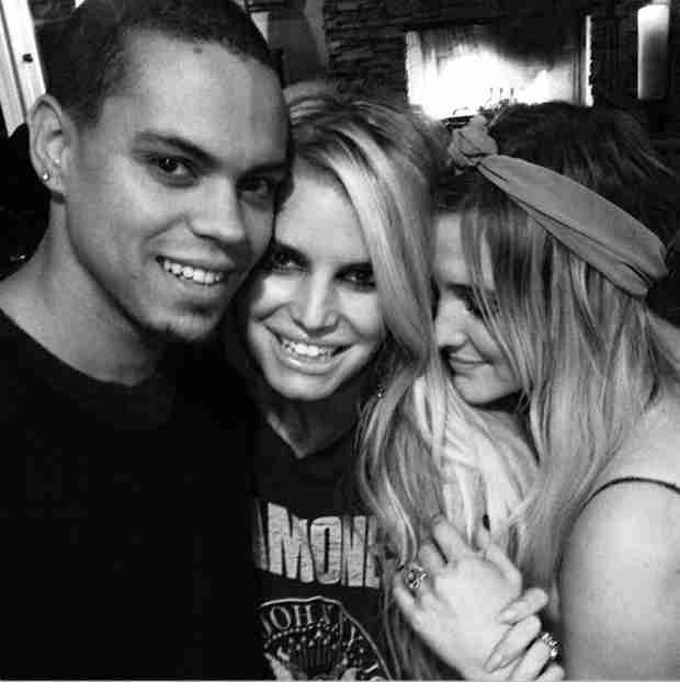 Jessica Simpson's Celebratory Moment With Newly-Engaged Sister Ashlee and Evan Ross (PHOTO)