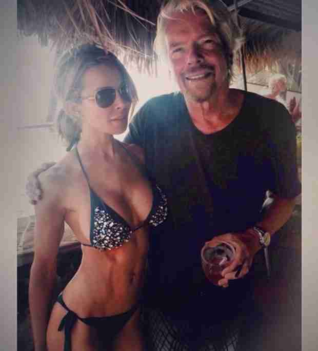 Lisa Hochstein Gets Busty With Richard Branson on His Private Island (PHOTO)