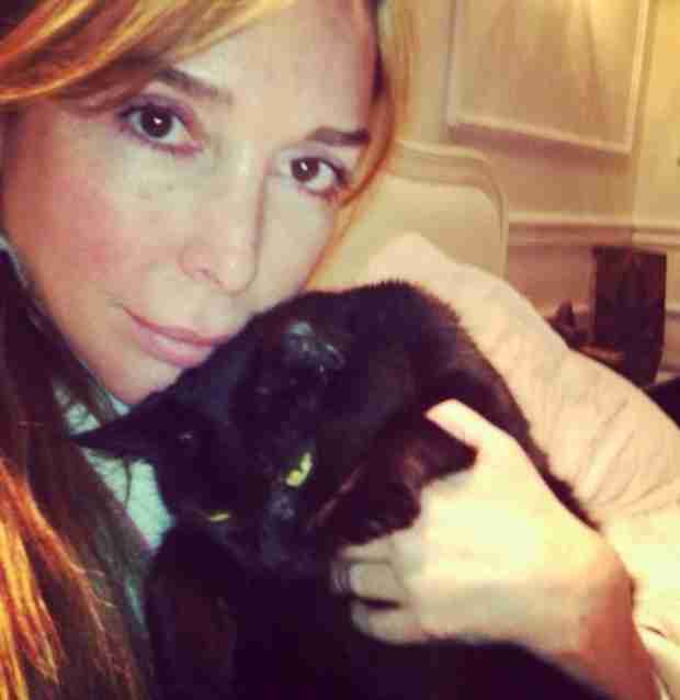 Marysol Patton Poses With Cat Magia in Makeup-Free Selfie (PHOTO)