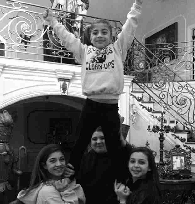 Milania Giudice Shows Off Her Cheerleading Skills (PHOTO)