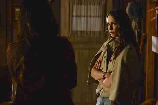 Pretty Little Liars Season 4 Winter Premiere Sneak Peek — Does Jason Know About Ali? (VIDEO)