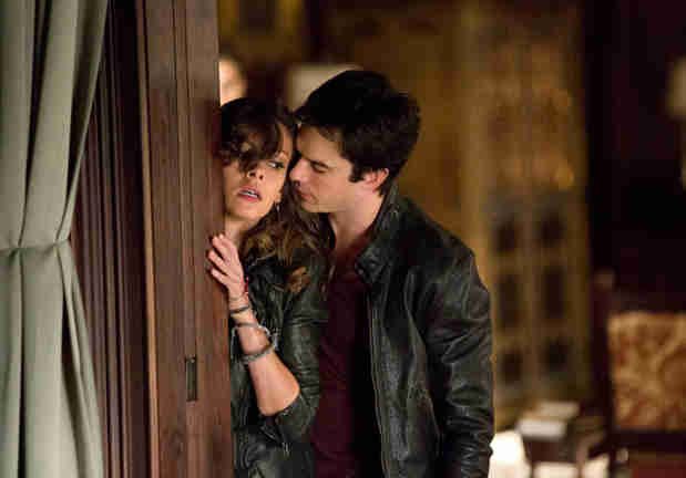 "Vampire Diaries Spoilers: Damon Goes ""A Little Bit Mental"""