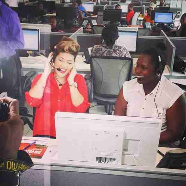 The Voice: Is Tessanne Chin Working in a Call Center? (PHOTO)