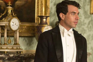 Downton Abbey Season 4: See a New Photo of Lady Mary's Love Interest!