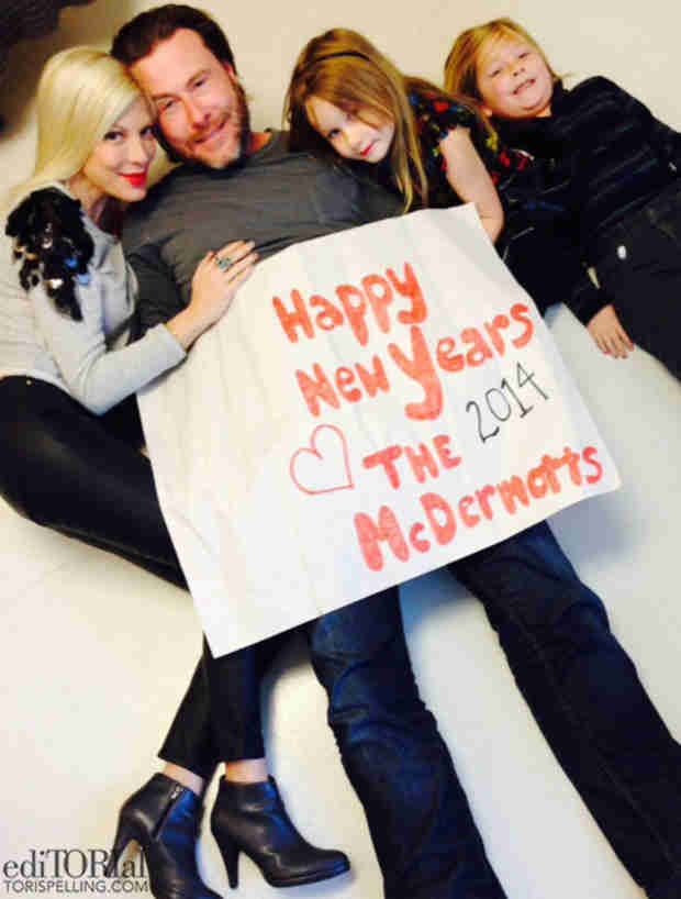 Tori Spelling Rings In 2014 Amid Cheating Rumors With Family Photo