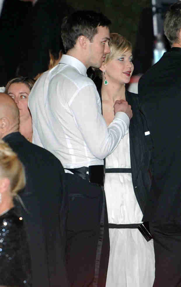 Jennifer Lawrence and Nicholas Hoult: Cuddly at 2014 Golden Globe Awards