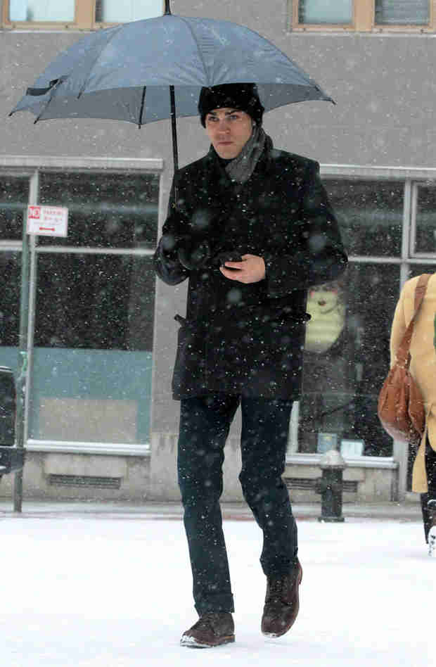 Paul Wesley Braves the NYC Snow Before Vampire Diaries' 100th Episode