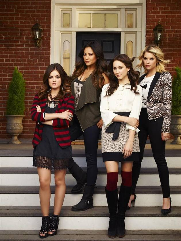 Pretty Little Liars Season 5 Starts Production — See The Writers in Action! (PHOTO)