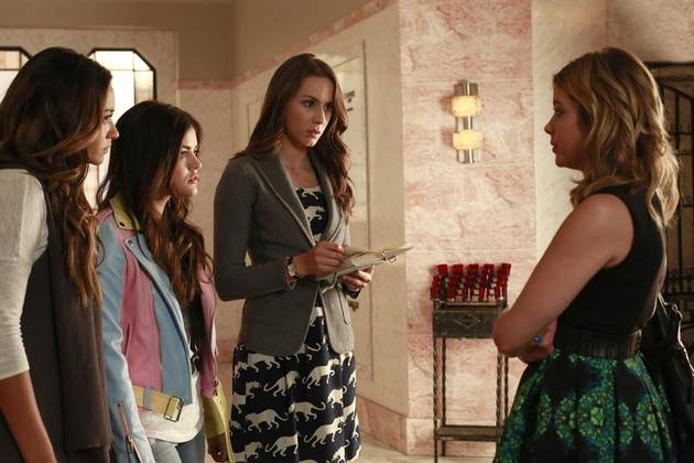 "Who Is ""A""? Our Top 3 Suspects From Pretty Little Liars Season 4 Winter Premiere"