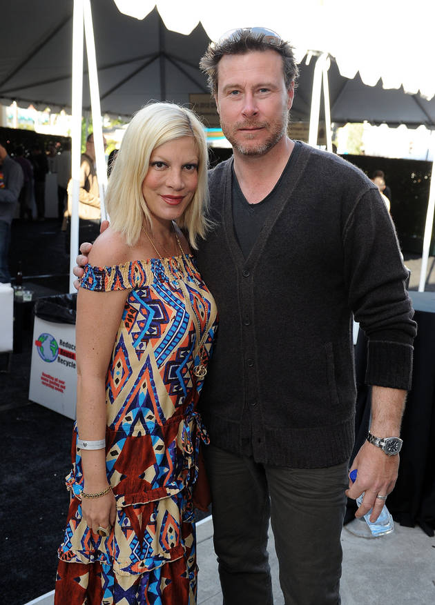 Rehab for Tori Spelling's Husband? Dean McDermott Outside Center (PHOTOS)