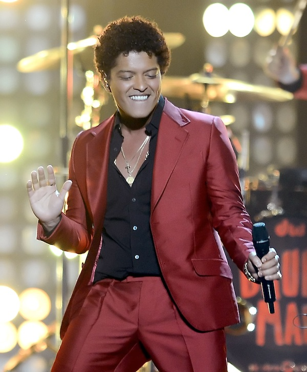 Bruno Mars to Perform at Super Bowl 2014 Halftime Show (UPDATE: THIS '90s Band Will Play, Too!)