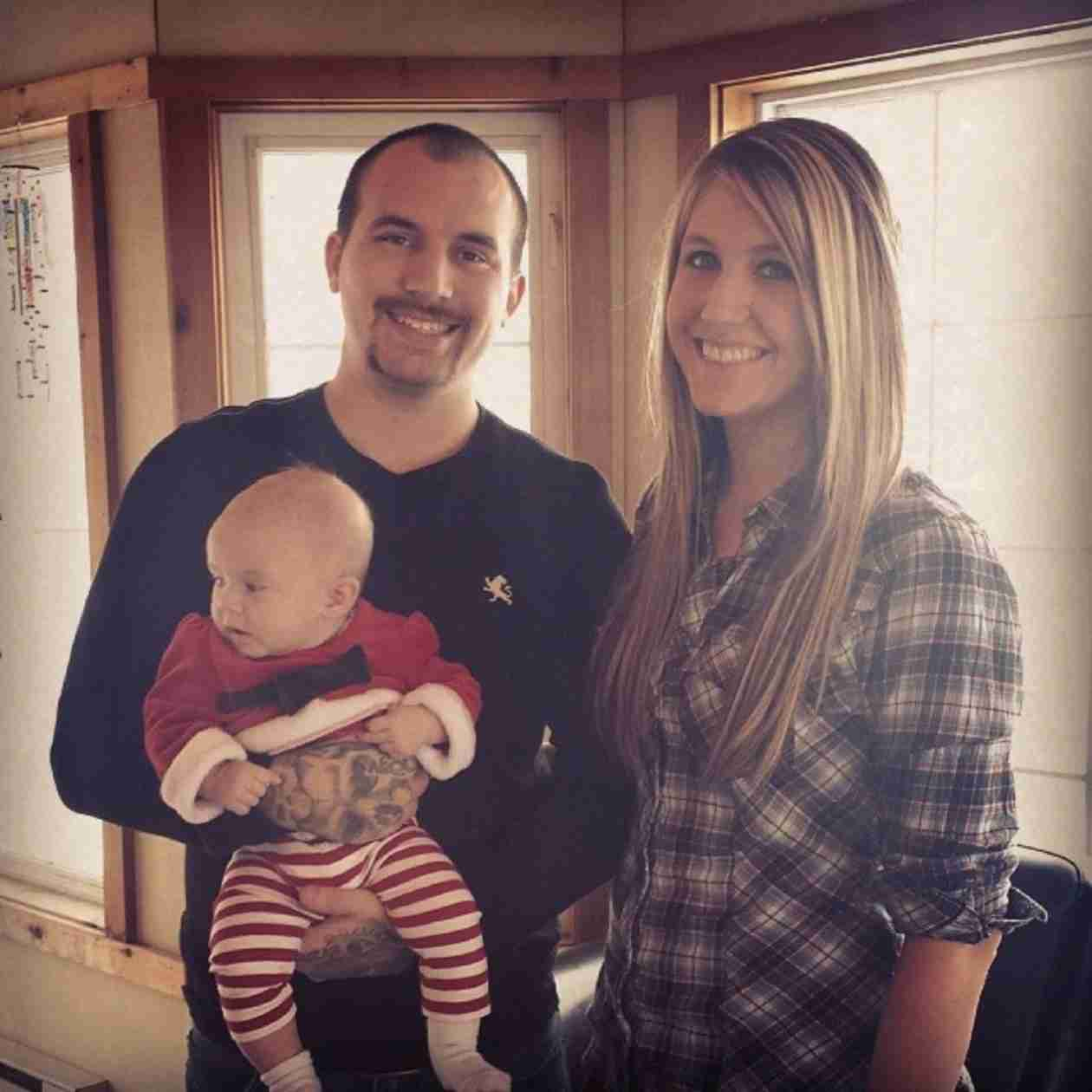 Adam Lind and Taylor Halbur Take Aubree Bowling With Baby Paislee (PHOTO)