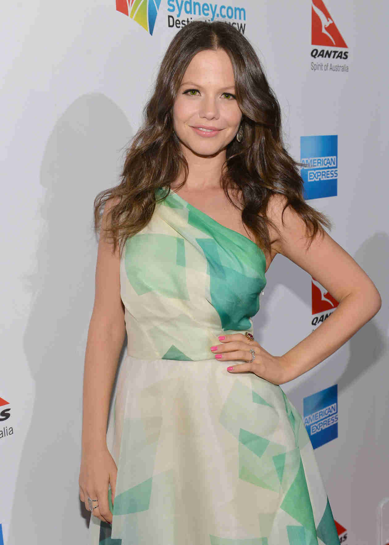 Tammin Sursok and Daughter Phoenix Take a Sleepy Selfie (PHOTO)