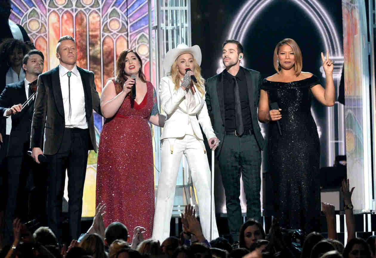 Watch 33 Gay and Straight Couples Marry During Macklemore's Grammy Performance (VIDEO)