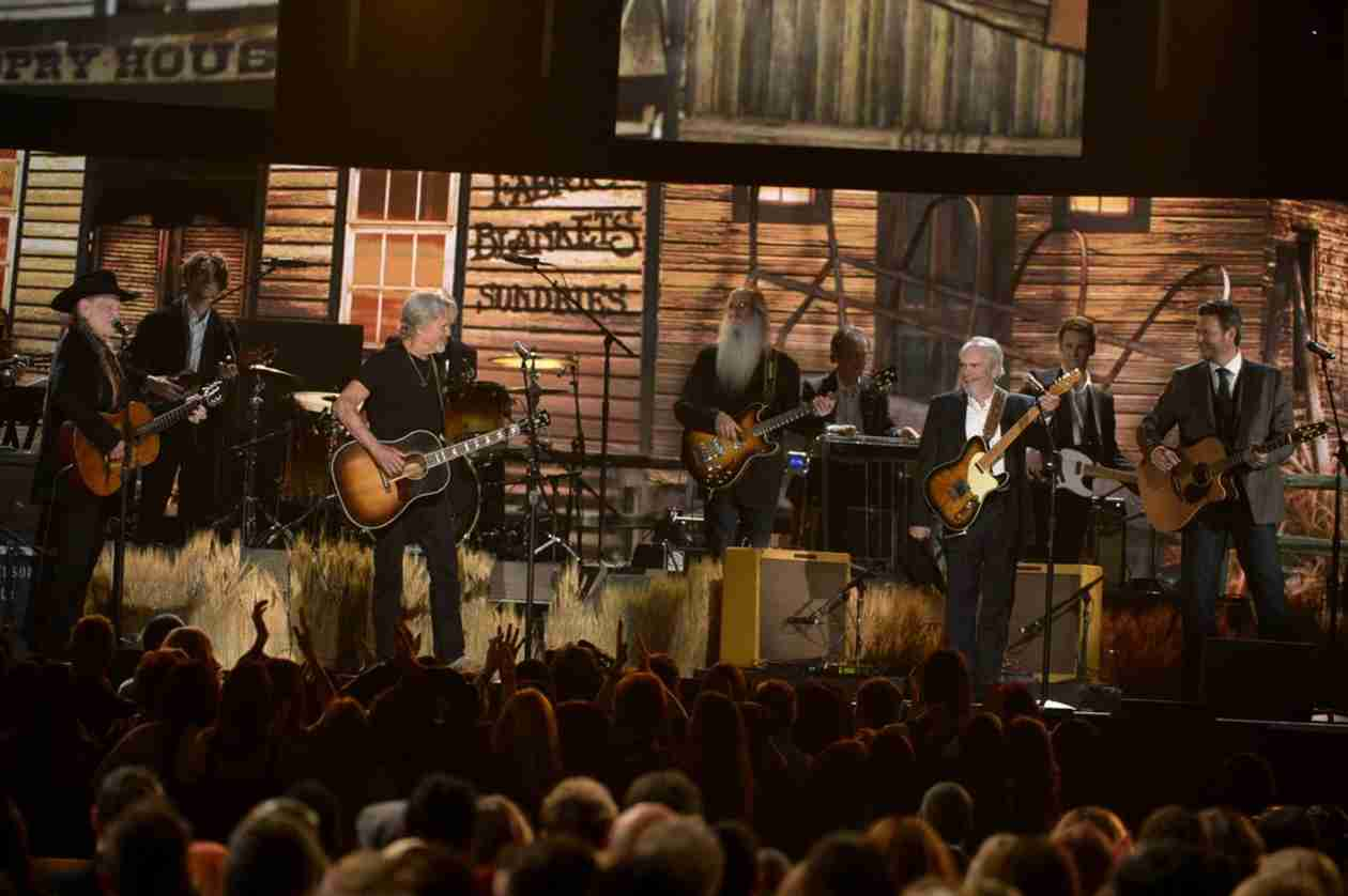 "Blake Shelton ""Still on a High"" From Grammy Performance With Willie Nelson"