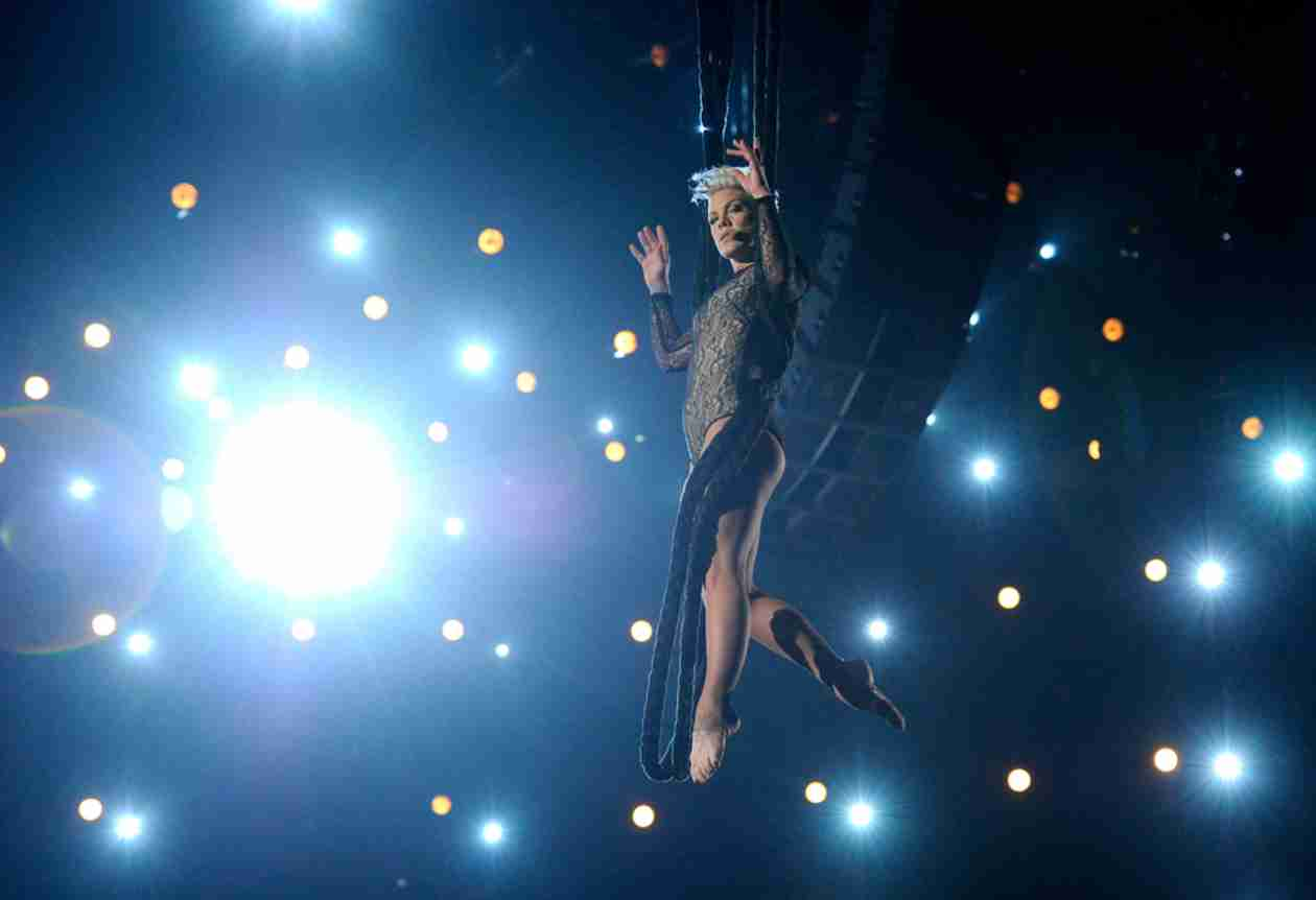 Watch Pink's Amazing Aerial Performance at the 2014 Grammy Awards (VIDEO)