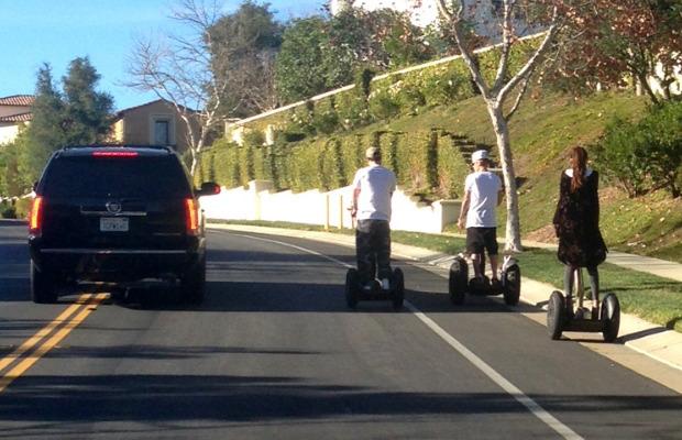 Justin Bieber and Selena Gomez Reunite in Calabasas (PHOTOS)