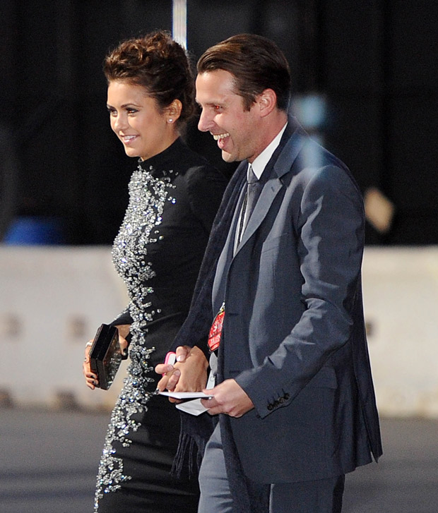 Nina Dobrev Holds Hands With a Mystery Man at the 2014 People's Choice Awards