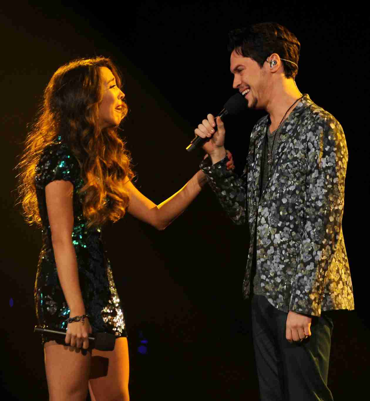 Alex & Sierra Share Throwback Thursday Photo — See Them in High School!