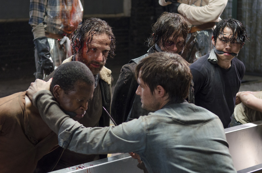 The Walking Dead Season 5: Rick's Group Brutally Kills Gareth, The Hunters in Episode 3