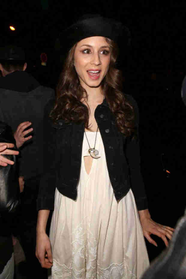 Troian Bellisario Shows Off Engagement Ring — First Look! (PHOTO)