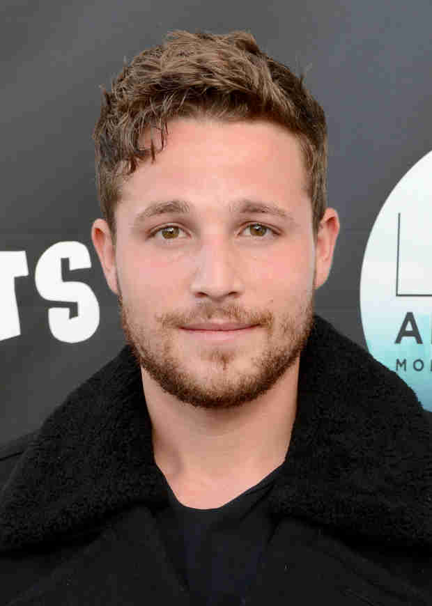 Desperate Housewives Star Shawn Pyfrom Reveals Addiction — and Five-Month Sobriety