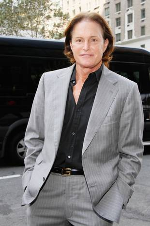 Bruce Jenner Looks Back to Old Self, Wears Wedding Ring at College Speaking Gig (VIDEO)