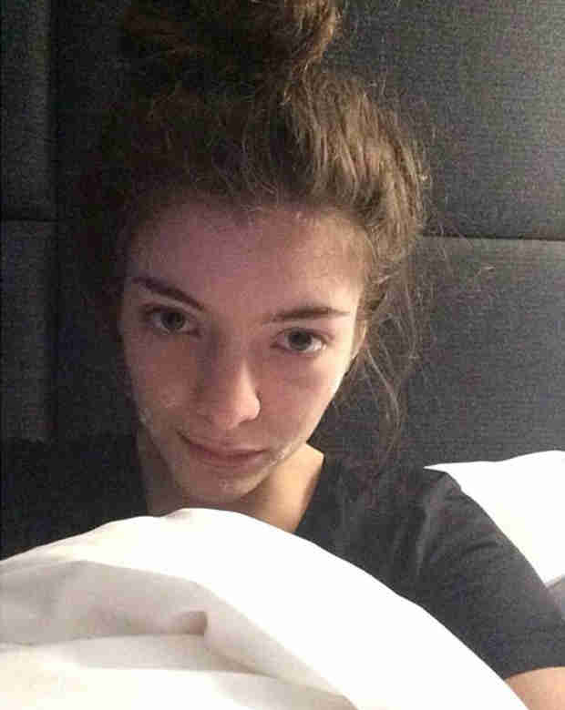 Lorde Shares Makeup-Free Selfie — And She's Wearing Acne Cream! (PHOTO)