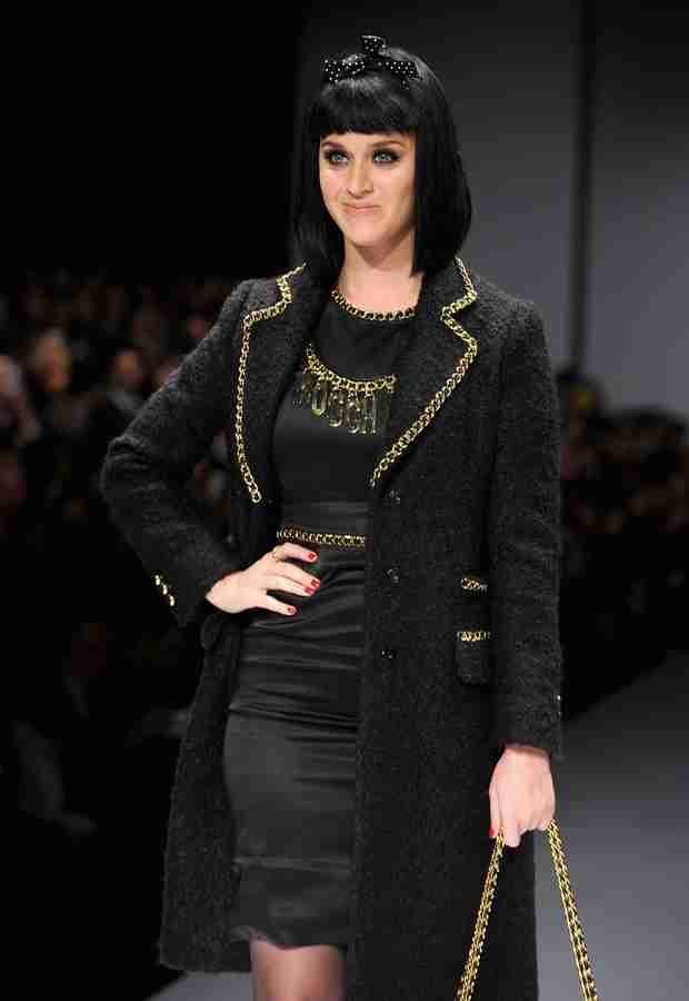 Katy Perry Gets Booed at Milan Fashion Week Show!