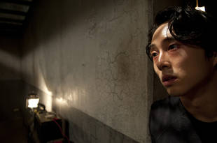 Steven Yeun on Glenn's Smartest, Dumbest Moves on The Walking Dead — 11 Condoms!