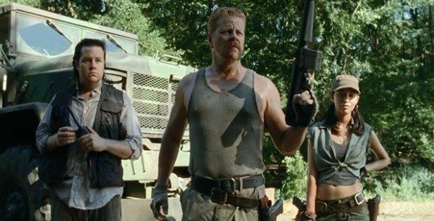 "The Walking Dead Season 4: Abraham, Eugene, Rosita Intro Matches ""Iconic"" Scene From Comics (PHOTOS)"