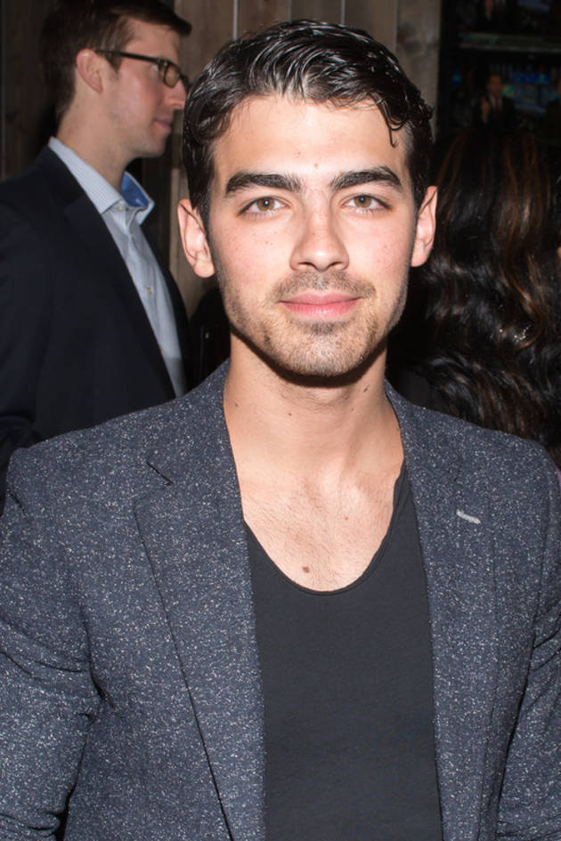 "Joe Jonas's Advice to Selena Gomez and Justin Bieber: ""Learn From Others' Mistakes"""