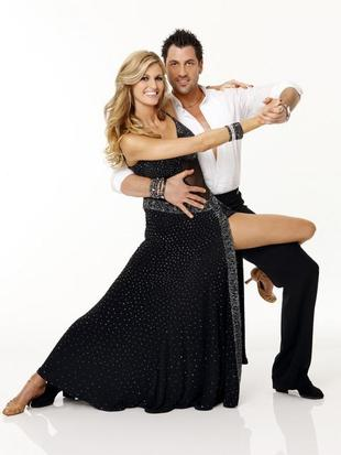 Erin Andrews to Replace Brooke Burke As Dancing With the Stars Season 18 Co-Host (VIDEO)