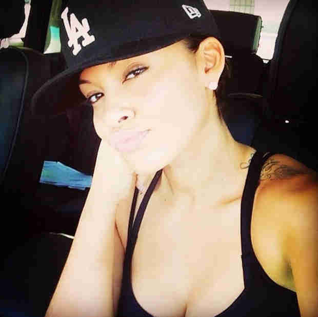 Pregnant Evelyn Lozada Supports Fiancé Carl Crawford's Team, L.A. Dodgers (PHOTO)