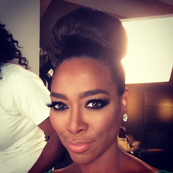 "Why Is Kenya Moore Keeping Her ""African Prince"" Secret? She Says.."