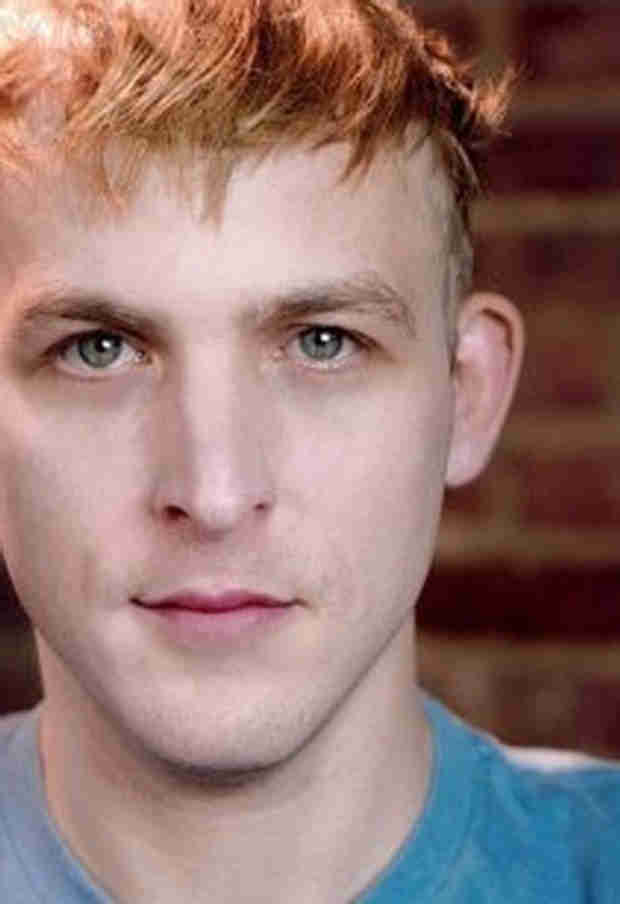 The Walking Dead Alum Robin Lord Taylor Joins Gotham Pilot — Who's He Playing?