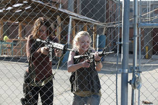 "The Walking Dead Season 4 : Emily Kinney on Beth's Evolution — ""She's a Lot Tougher Than She Looks"""