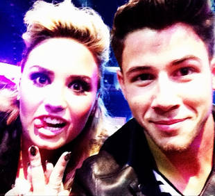 "Nick Jonas: ""I Love My Relationship"" With Demi Lovato (VIDEO)"