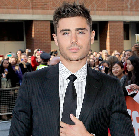 Zac Efron Moonwalks Like His Idol Michael Jackson (VIDEO)