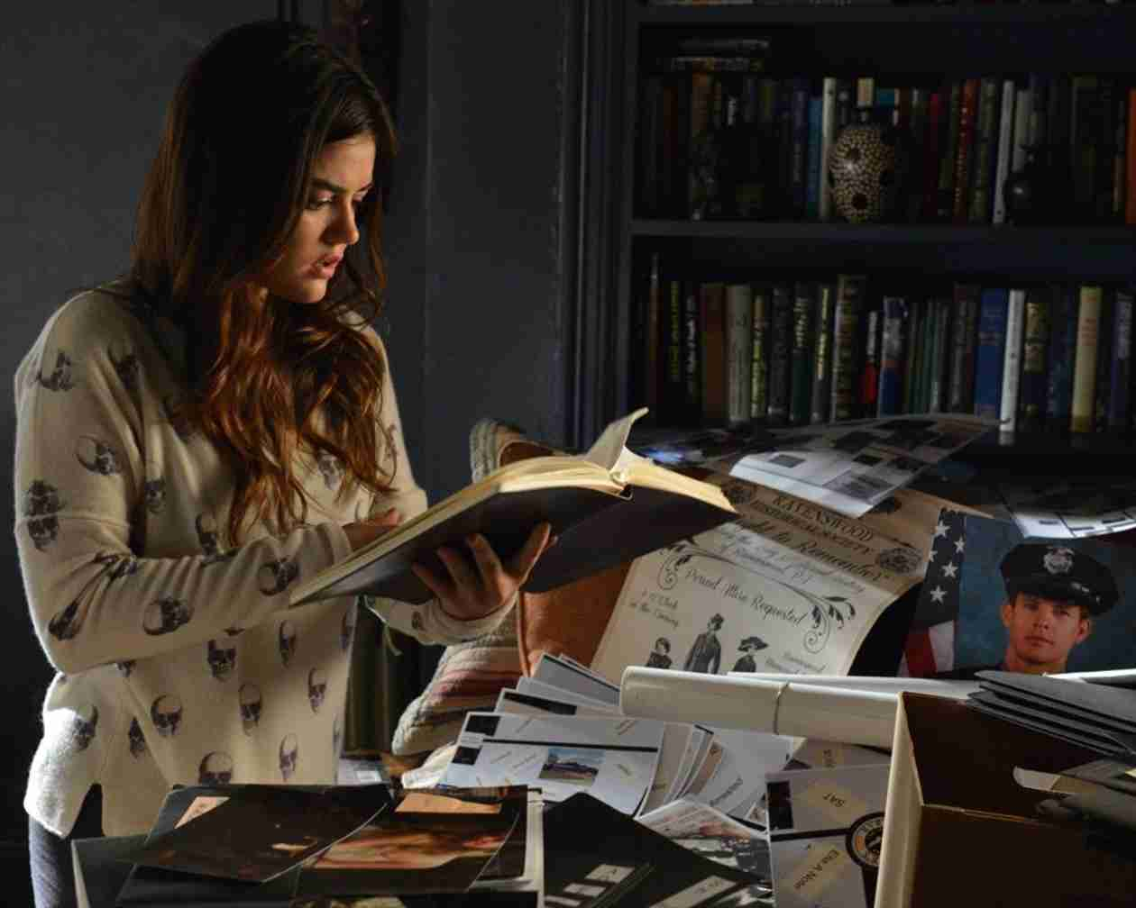 """Who Is """"A""""? Our Top 4 Suspects From Pretty Little Liars Season 4, Episode 21"""