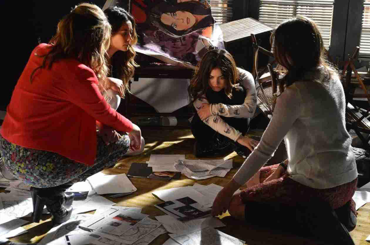 "Pretty Little Liars Music: Songs From Season 4, Episode 21 — ""She's Come Undone"""
