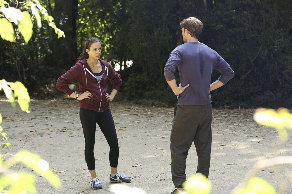 "Pretty Little Liars Season 4, Episode 22 Sneak Peek: Spencer Is Very ""Irritable"" (VIDEO)"