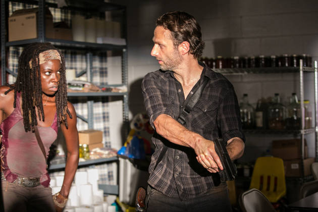 The Walking Dead Season 4: Did Michonne Knock on Rick and Carl's Door?