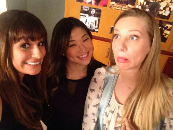 "Glee's [Spoiler] a ""Hot Mess"" During the 100th Episode!"